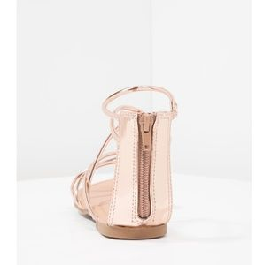 64f8a4d5468 Steve Madden Shoes - Sapphire Rose Gold Strappy Flat Sandals
